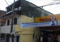 Faixa mostra apoio de vereador Carlos Muniz a Bruno Reis em bairro periférico