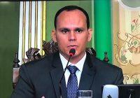 Pimentel volta a atacar família Bolsonaro e é bastante criticado pelos próprios seguidores