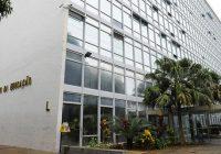 MEC processa 30 professores da UFF
