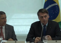 Em reunião, Bolsonaro chama Folha de 'bosta' e diz que demitirá quem for elogiado pelo jornal