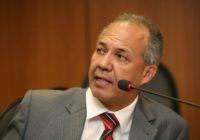 Geilson se despede do governo sem conseguir falar com Rui e promete embolar jogo em Feira