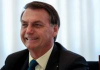 Pelas redes sociais, Bolsonaro anuncia chegada de 40 caixas de hidroxicloroquina a Porto Seguro
