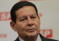 'É uma pergunta complicada', diz Mourão sobre assumir Presidência